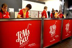 JiMs Bar: Barkeeper*innen in Ausbildung