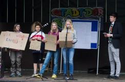 Stadt der Kinder: Kinder demonstrieren für Arbeitslosengeld
