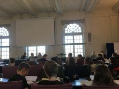 Jugend im Kreistag - Abstimmung im Kreistagssitzungssaal